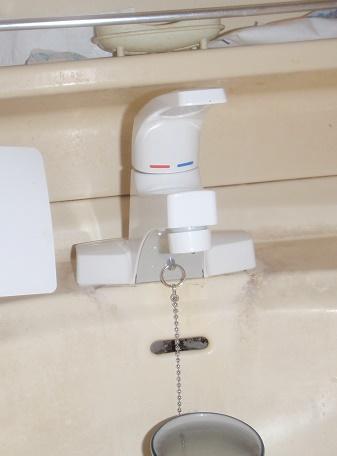 洗面台蛇口交換 洗面台蛇口修理 KVK 群馬県伊勢崎市境島村