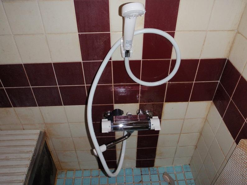 サーモスタッド付きシャワー水栓 交換 KVK 伊勢崎市境本町