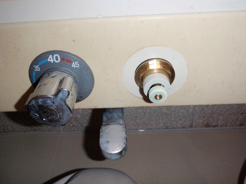 サーモシャワー水栓修理工事 蛇口修理工事 部品交換工事  高崎市